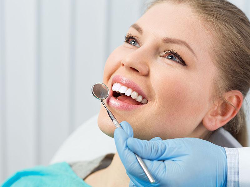 Angstpatienten, Angst vorm Zahnarzt, Zahnerhaltung, Parodontologie, Zahnersatz, Prophylaxe, Zahnarzt, Zahnheilkunde, Klammer, Brücke, Krone, Zahnarzt in Lohmar